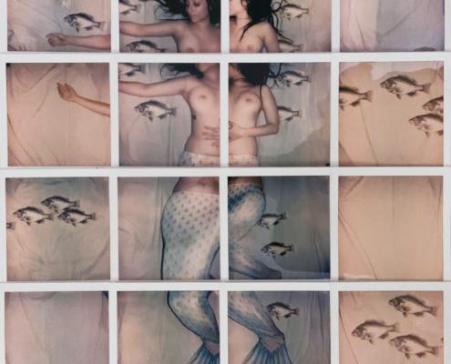 Polaroid Fuji Instax artisti famosi mosaico le sirene di Ulisse